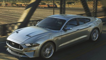 Ford Mustang: Έρχεται και 4πορτη έκδοση;