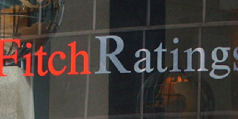 Fitch: Υποβάθμιση 18 ισπανικών τραπεζών