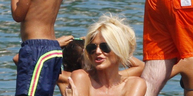 Victoria Silvstedt: Σαράντα και να καίνε!